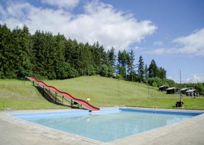 Bazén se skluzavkou 2